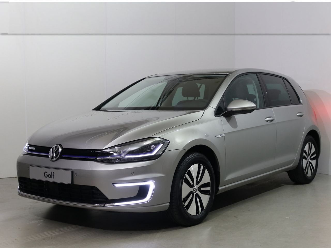 Volkswagen Golf e-Golf 100kW / 136pk 36kWh 5d.